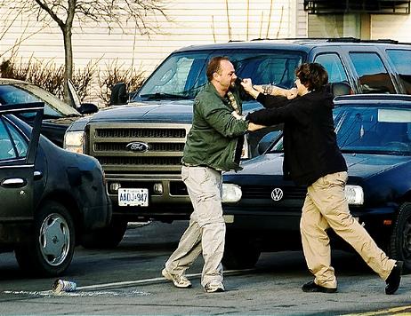 In trafic se petrec numeroase situatii de violenta verbala si fizica la noi in tara, dar si in strainatate