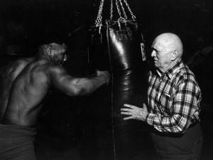 Mike Tyson - Cand el se antrena, ceilalti  se odihneau