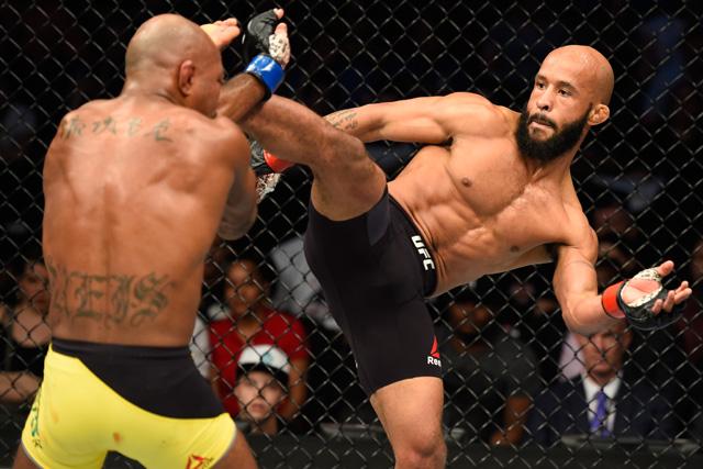 Demetrious Johnson, unul din cei mai dominanti campioni al UFC-ului, luptand impotriva lui Wilson Reis, meci pe care l-a castigat si a egalat recordul lui Anderson Silva de 10 meciuri consecutive castigate in care isi apara centura.
