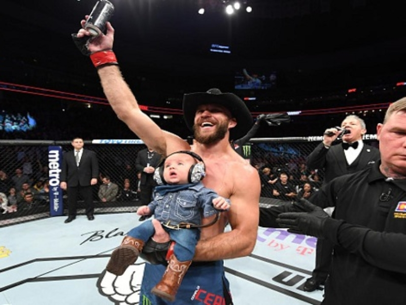 VIDEO. Donald 'Cowboy' Cerrone a batut 3 recorduri la gala aniversara UFC 25 de ani