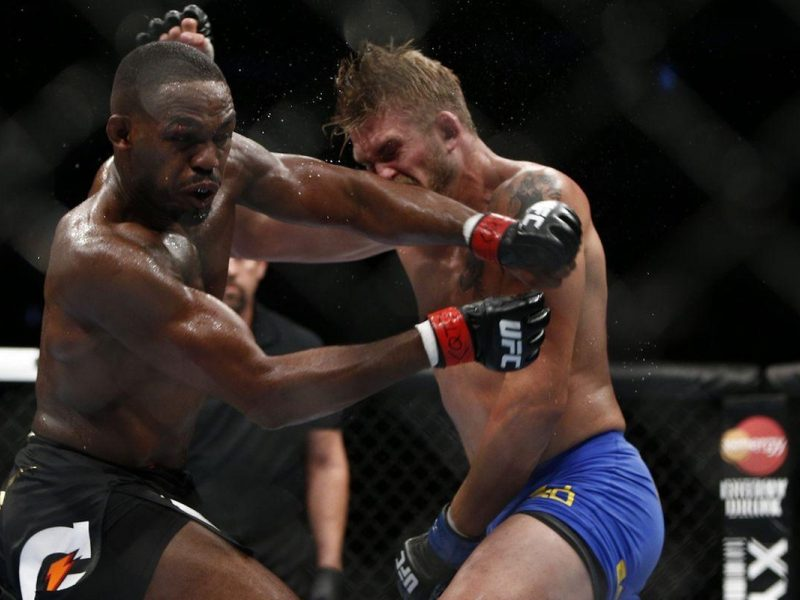 VIDEO. Vezi prima lupta dintre Jon Jones vs Alexander Gustafsson in intregime!
