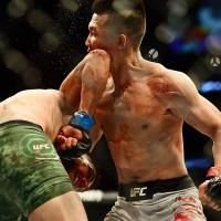 KO-ul reusit de Yair Rodriguez impotriva lui Korean Zombie in ultima secunda a luptei dintre cei doi.