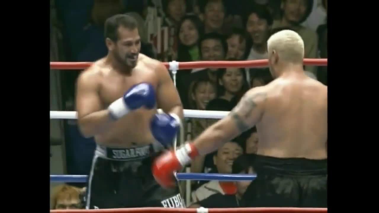 VIDEO. Exact acum 18 ani, Ray Sefo si Mark Hunt se duelau intr-o lupta legendara!