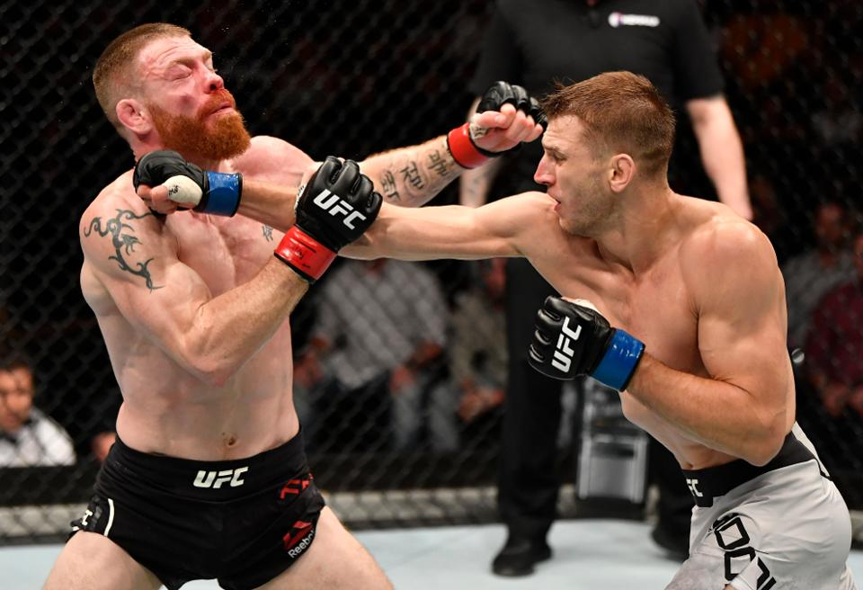 VIDEO. Rezultate UFC Auckland: Paul Felder vs Dan Hooker!