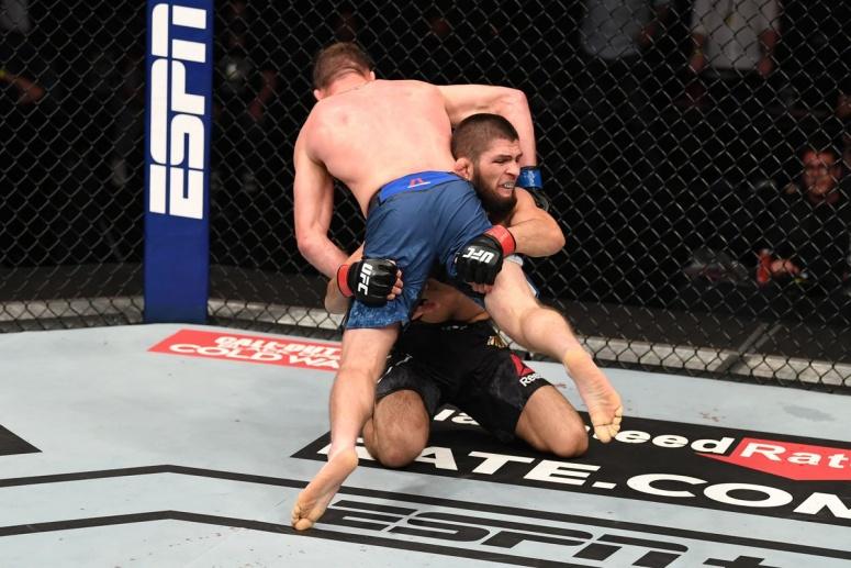 UFC 254: Khabib Nurmagomedov vs Justin Gaethje. Khabib se retrage neinvins! (VIDEO)
