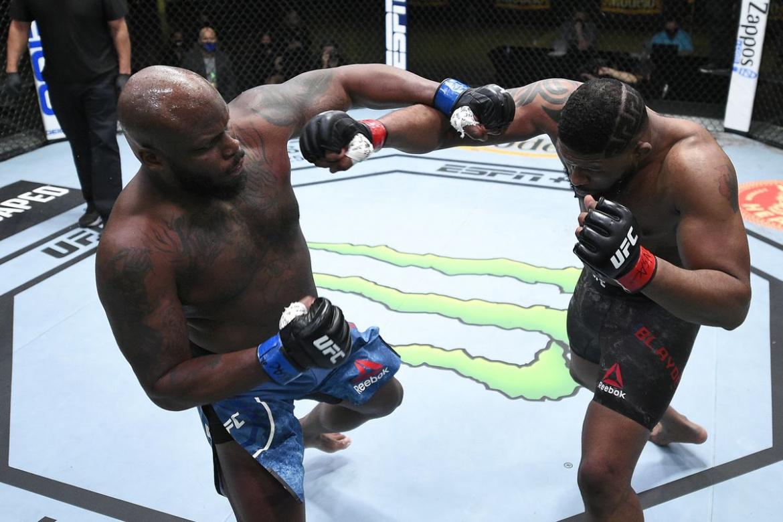 Vezi rezultatele de la UFC Vegas 19, unde Derrick Lewis l-a facut KO pe Curtis Blaydes