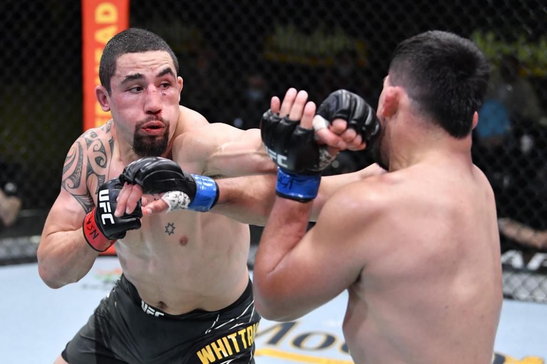 Vezi toate fazele de la gala UFC Vegas 24: Robert Whittaker vs Kelvin Gastelum (VIDEO)