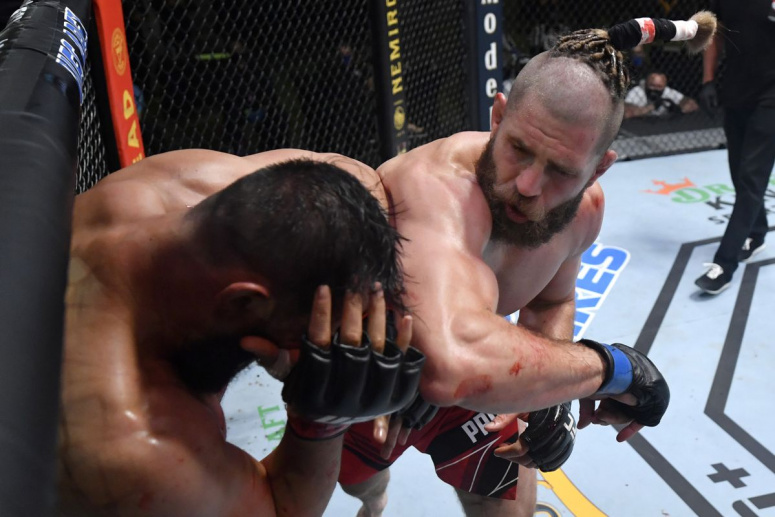 UFC Vegas 25: Dominick Reyes vs Jiri Prochazka. Intra sa vezi rezultatele si un KO incredibil (VIDEO)