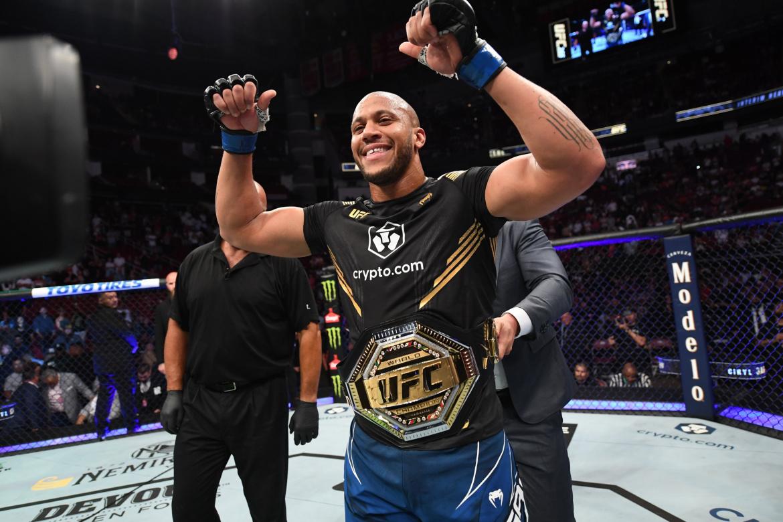 Vezi toate rezultatele de la UFC 265: Cyril Gane vs Derrick Lewis (VIDEO)